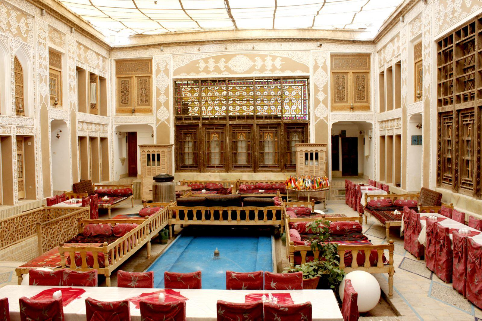 هتل ملک التجار