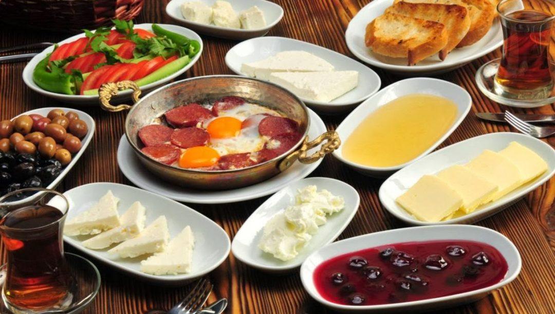 ۵ پیشنهاد برای خوردن بهترین صبحانه در تهران