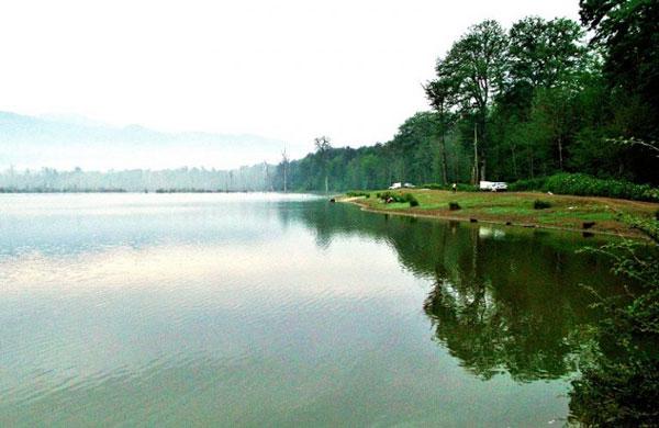 دریاچه آب بندان
