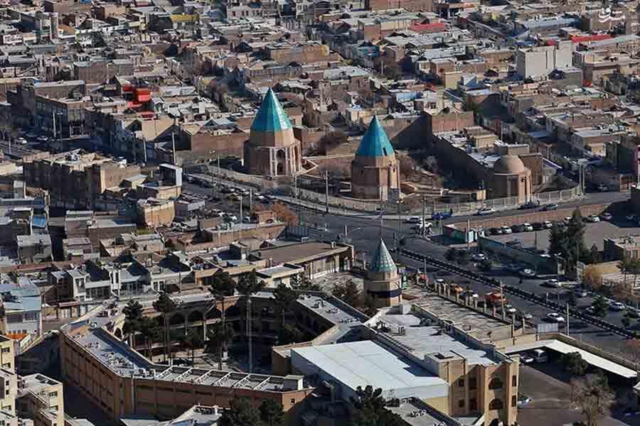 نمای شهر قم در روز