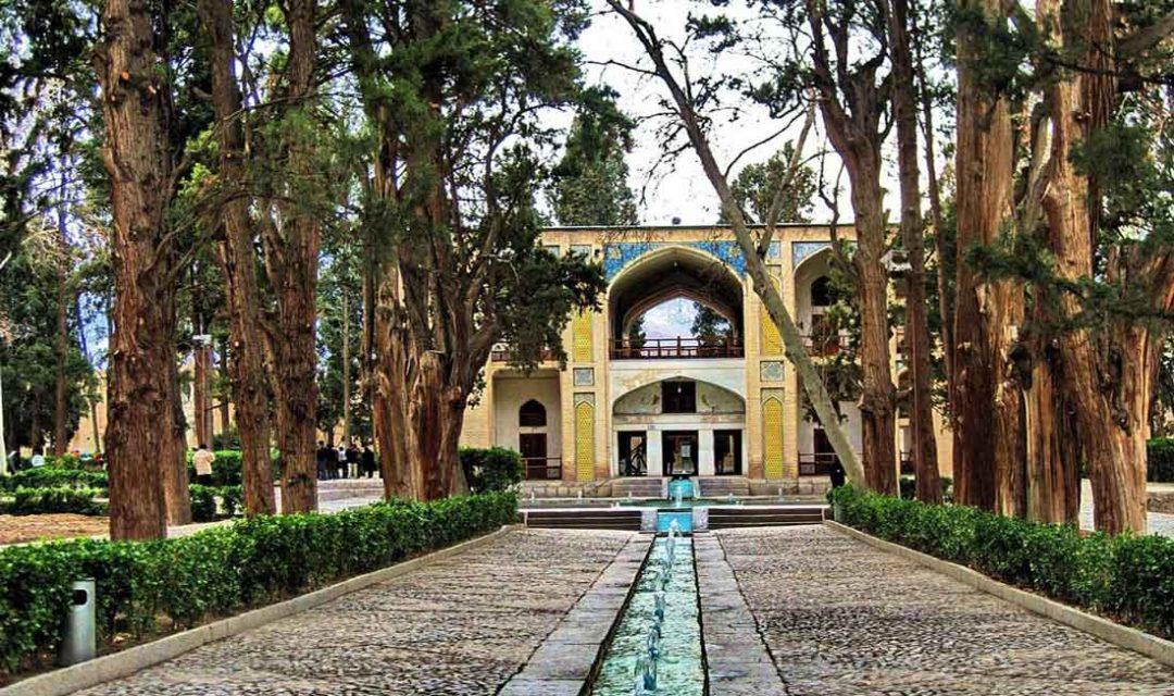 پرسه در باغ های زیبای تهران