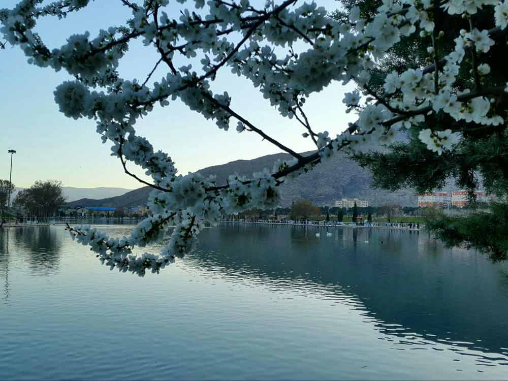 بهار دریاچه کیو