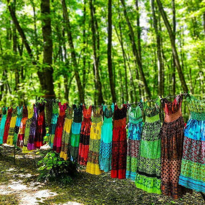 فروش لباس های محلی در گیسوم