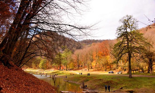 پاییز دریاچه چورت