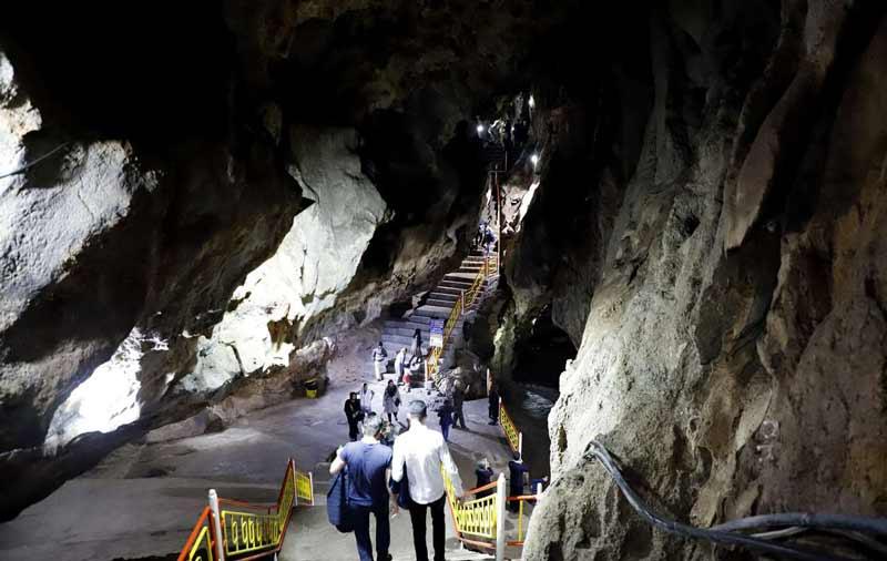 مسیر رسیدن به محوطه پایینی غار سهولان