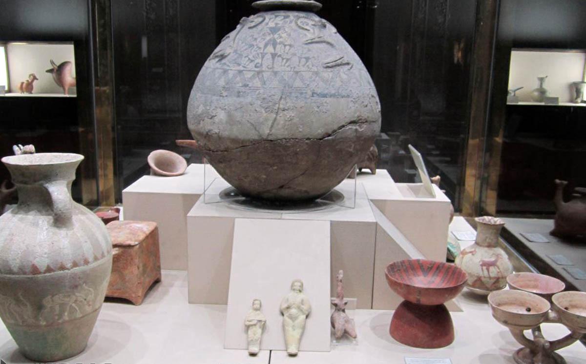 اشیای تاریخی موزه آبگینه