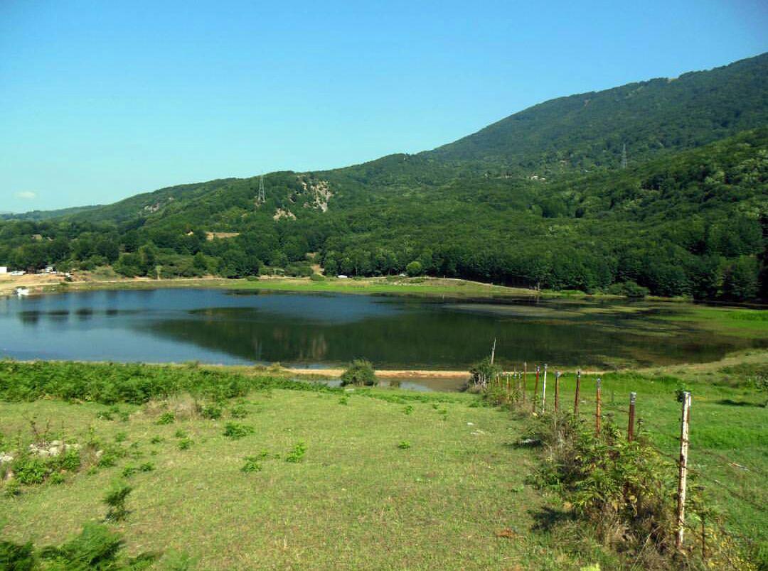 طبیعت اطراف دریاچه بره سر