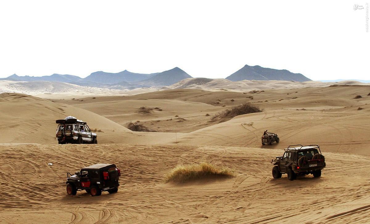 آفرودسواری در کویر مرنجاب