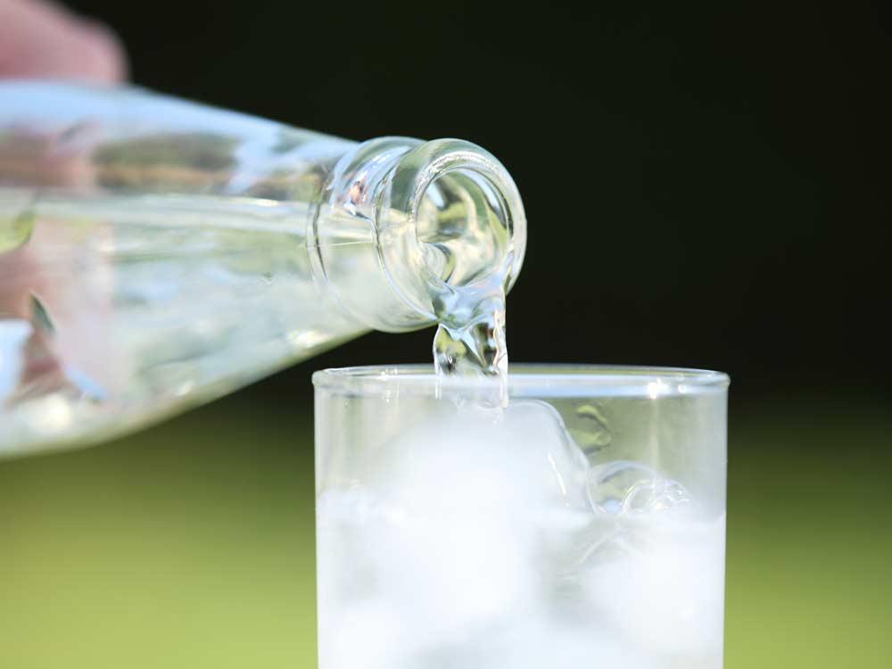مایعات برای درمان مسمومیت