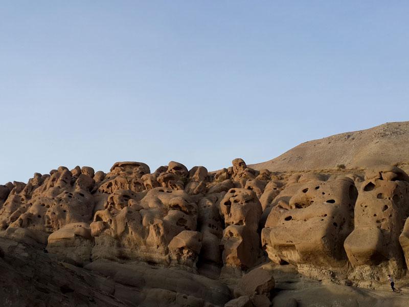مجسمههای سنگی وردیج