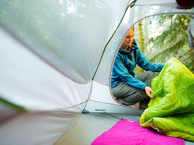 چادر و کیسه خواب کمپ