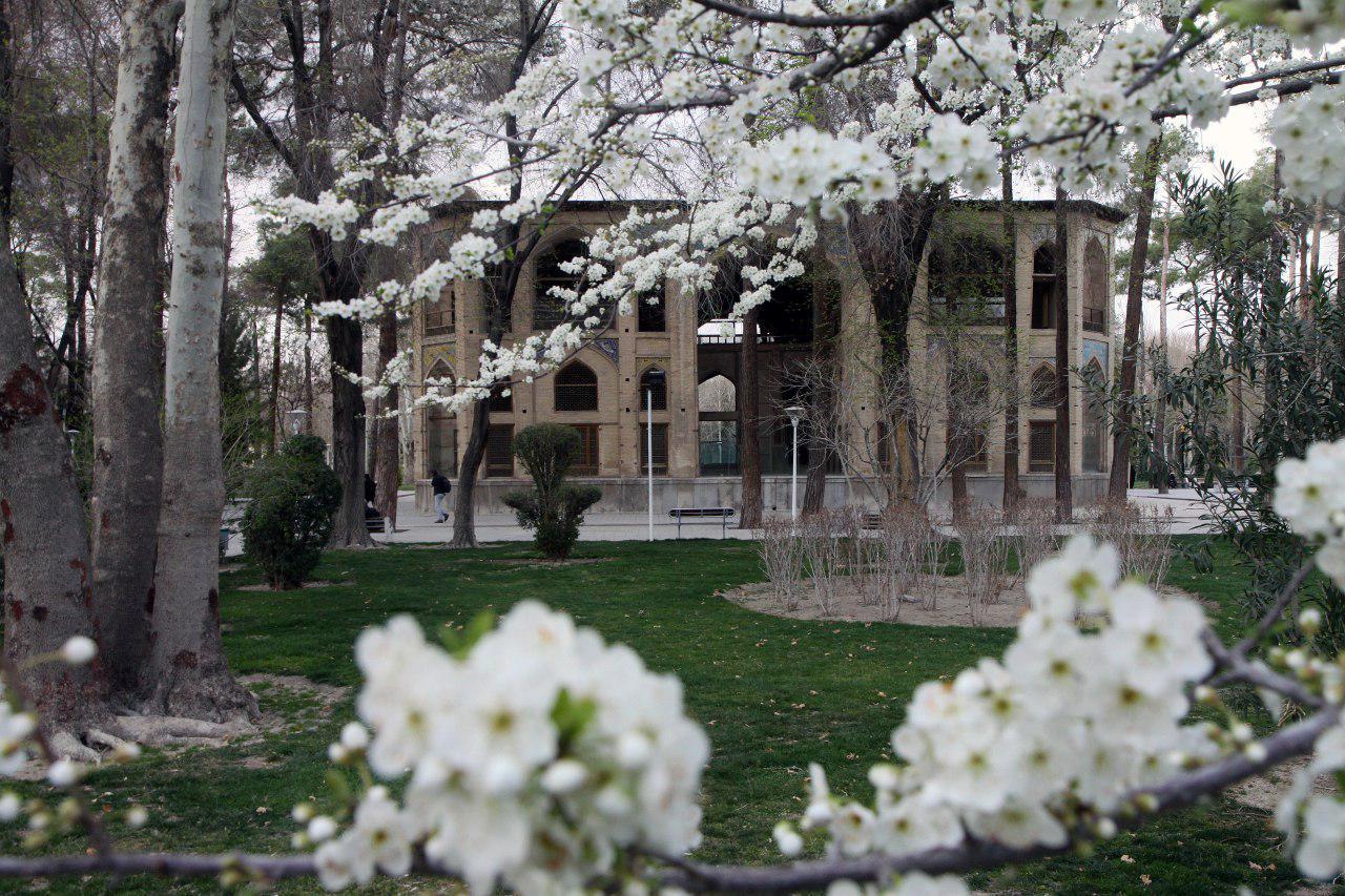 بهار کاخ هشت بهشت