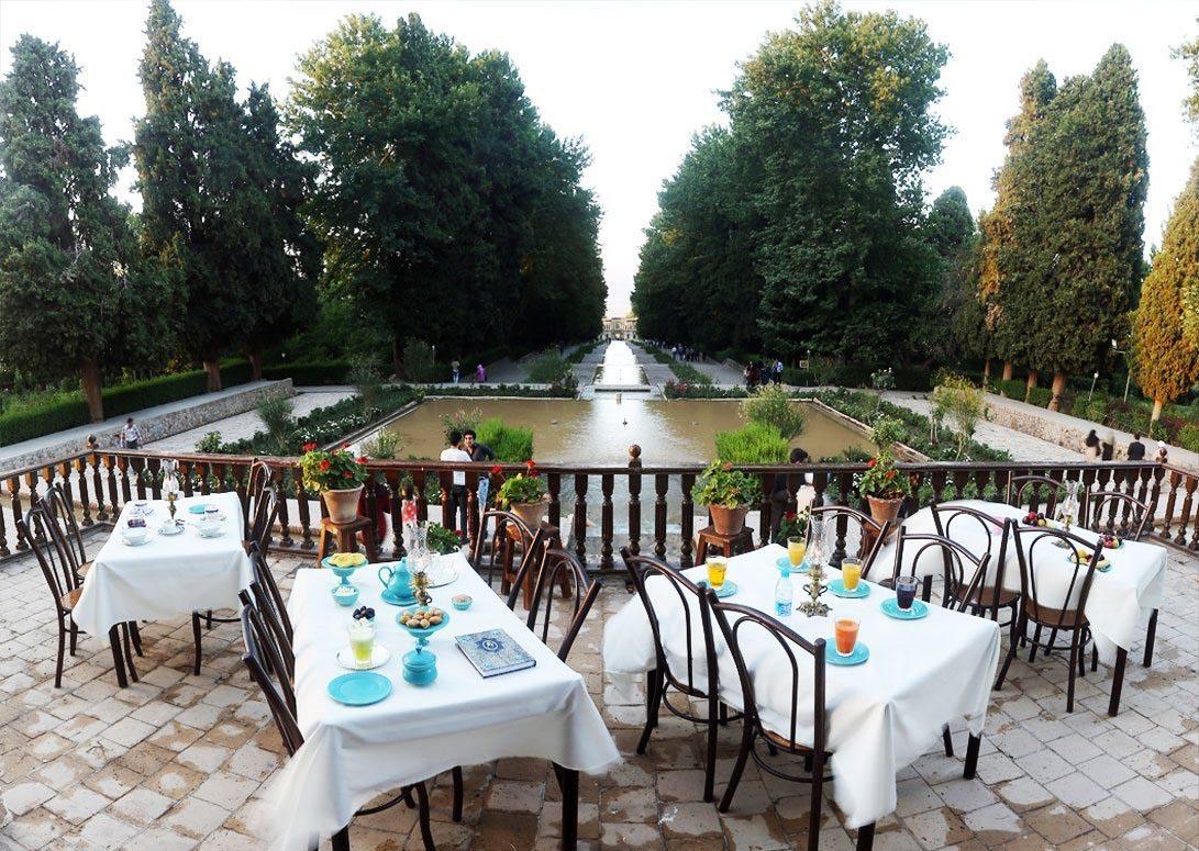 رستوران باغ شاهزاده ماهان