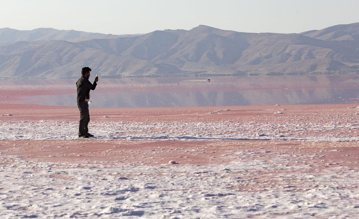 دریاچه صورتی رنگ ایران