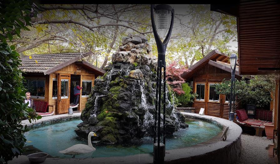 رستوران باغ آبی