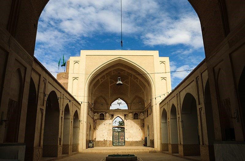 مسجد عتیق نوش آباد