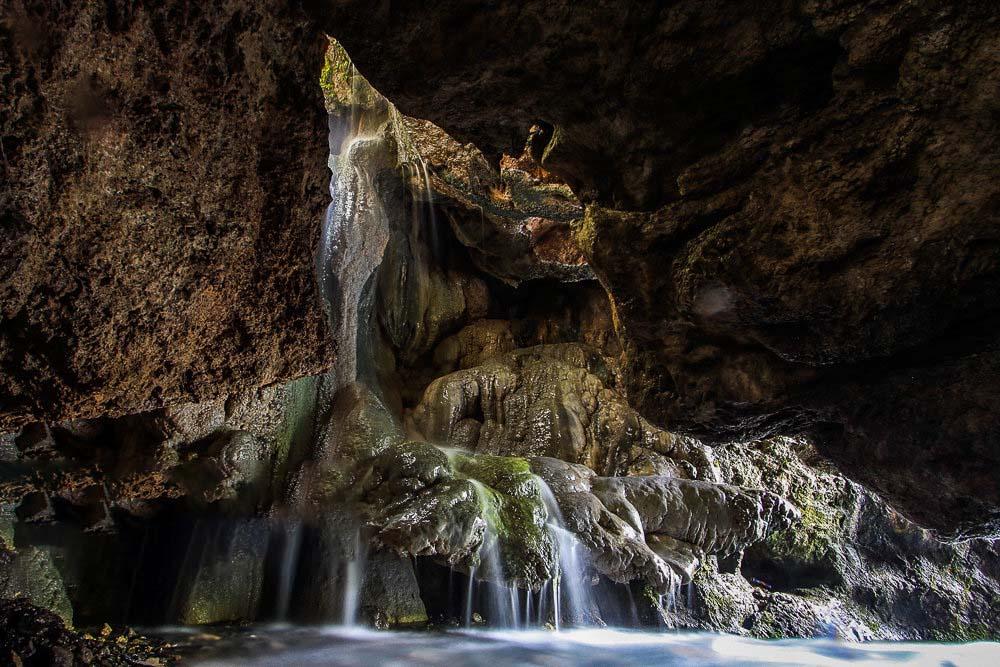 آبشاری در نزدیکی مشهد