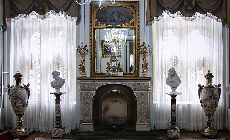 داخل کاخ مرمر رامسر