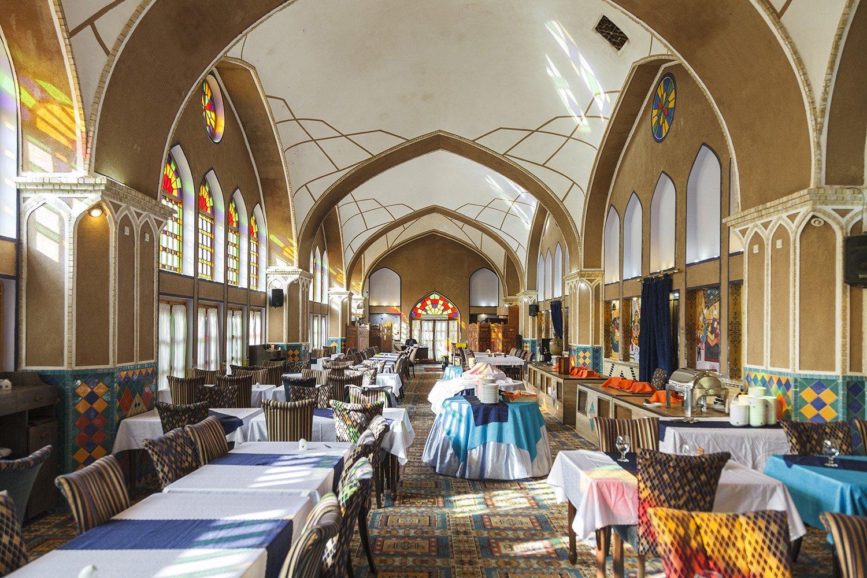 رستوران باغ مشیراالممالک