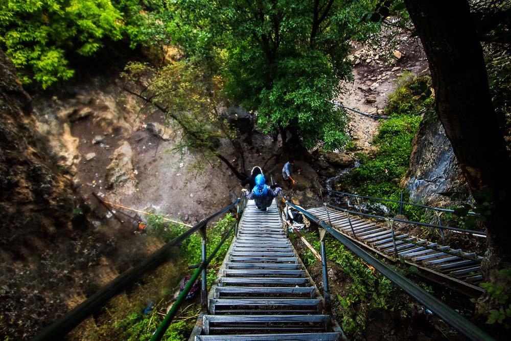 مسیر دسترسی به آبشار ارتکند