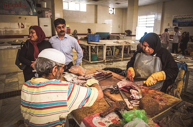 بازار ماهی کنگان
