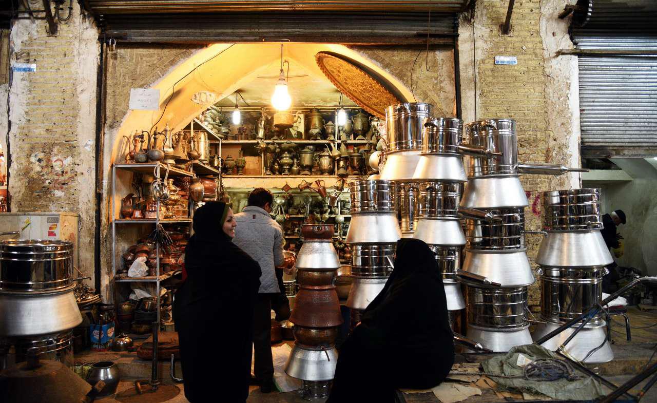 مسگری هنری که با گذشت سالیان هنوز در شیراز زنده است