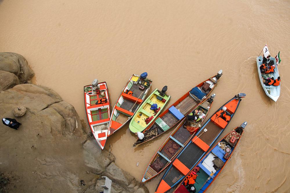 نمایی از قایق های پل سفید اهواز