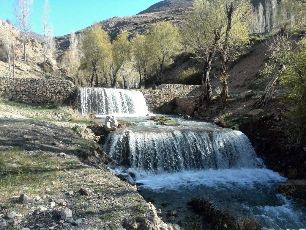 چشمه تیزاب