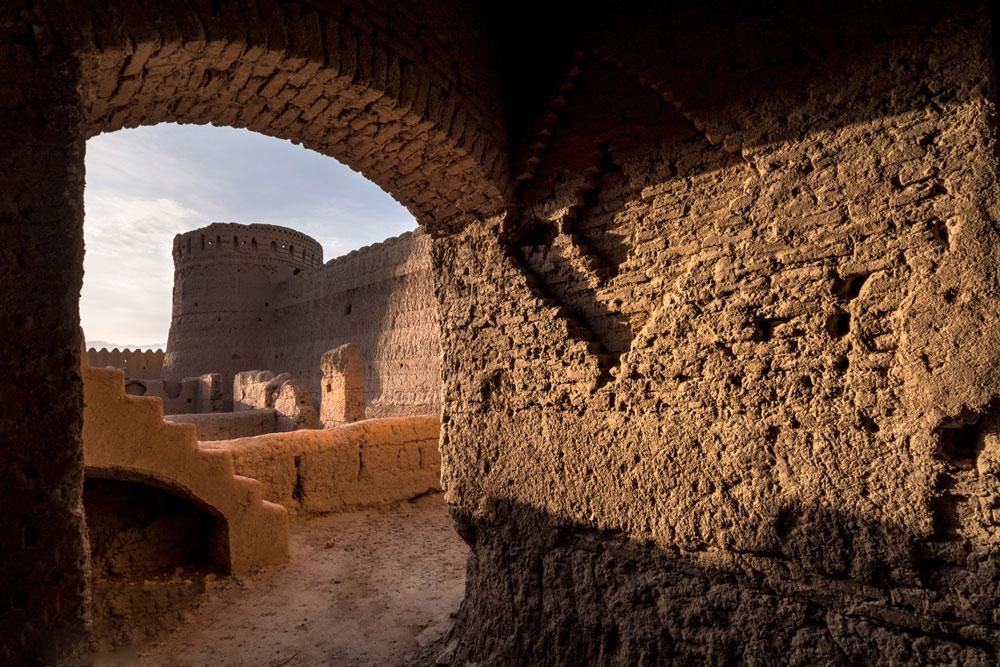 قلعه مهرپادین