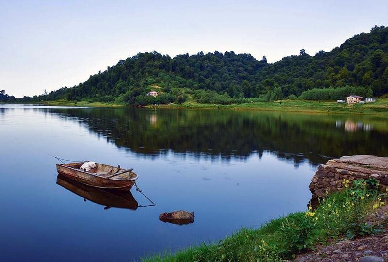 دریاچه سرآگاه
