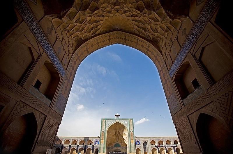 نمای ورودی مسجد