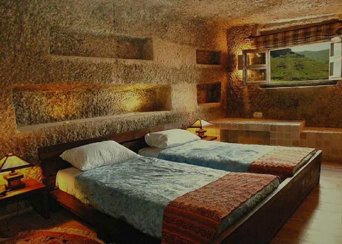 هتل سنگی اورامان