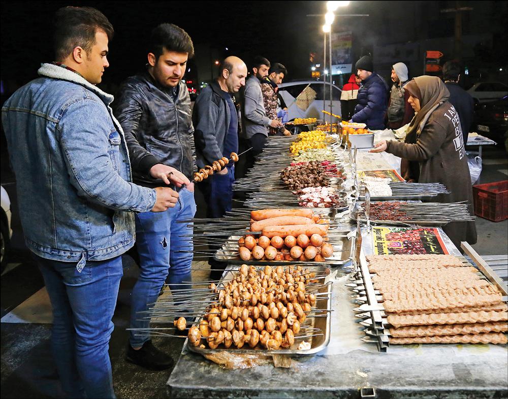 کبابی های خیابان پیروزی