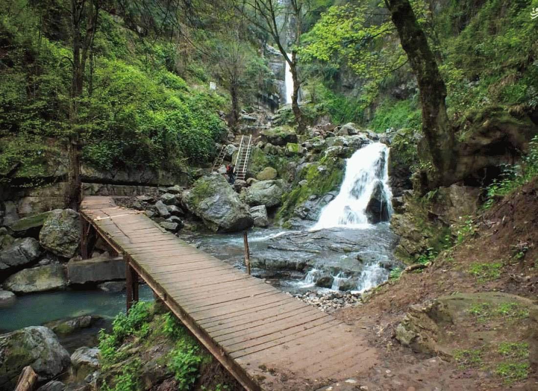 آبشارهای 12 گانه روستای خان ببین