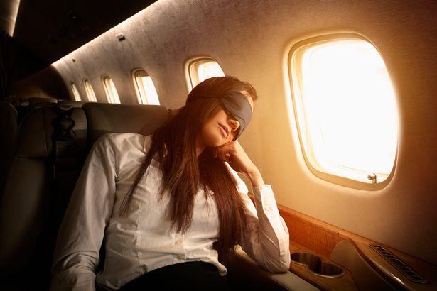 چشم بند در هواپیما