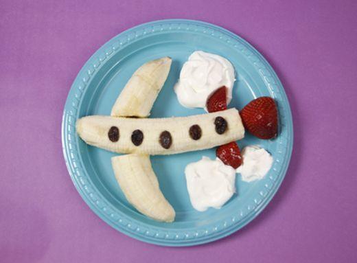 ۸ خوراکی سالم برای کودکان در هواپیما