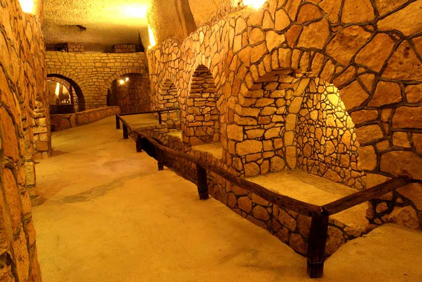 Karis underground city is a historical attraction and a boom to Kish Island tourism.
