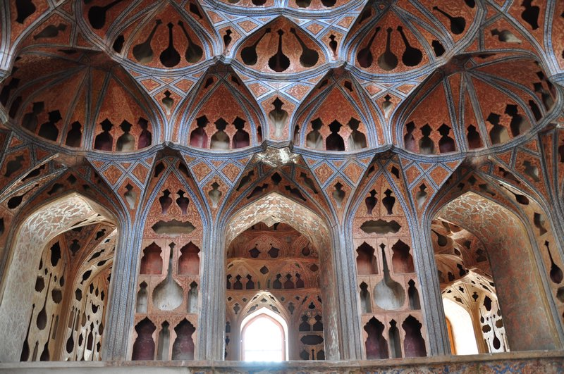 ali qapu palace in naghshe jahan square