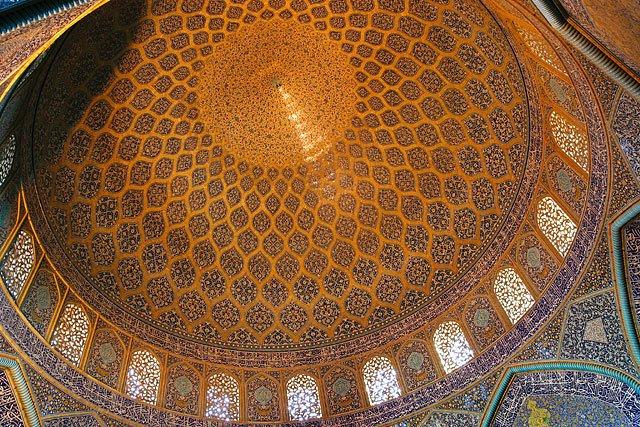 peacock in sheikh lotfollah mosque